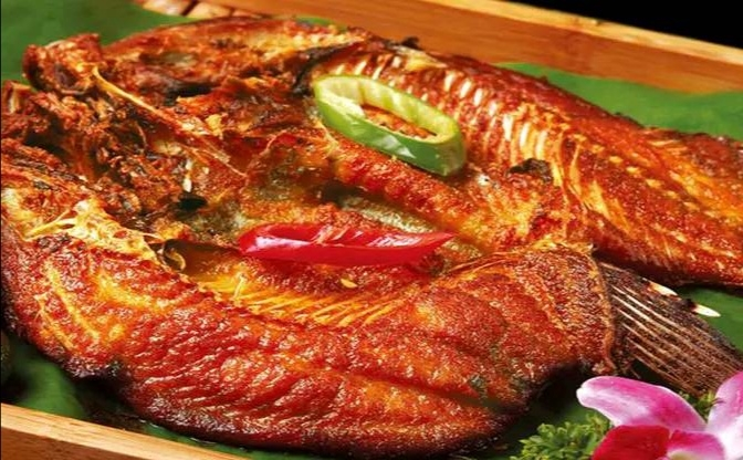 第一次感觉罗非鱼这么好吃,🐟烤的很娇嫩,粘上汁口感不错