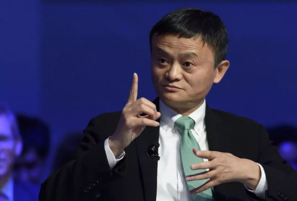 低调的富豪,大学就赚180万,与马云称兄道弟,如今身家达338亿