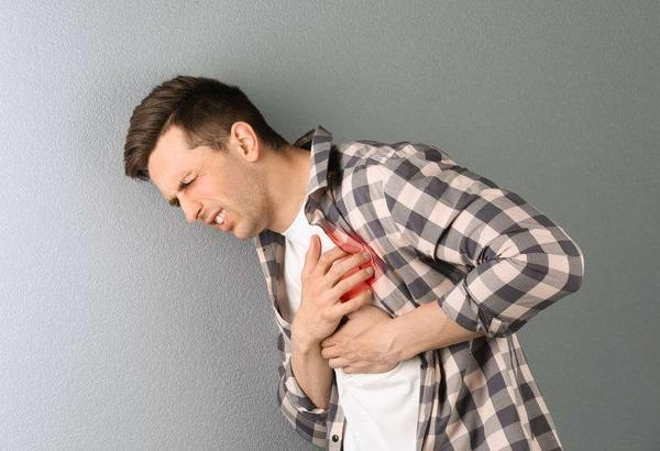 心脏不好身体或存在4种情况,要及时检查,养护心脏,多吃3种食物