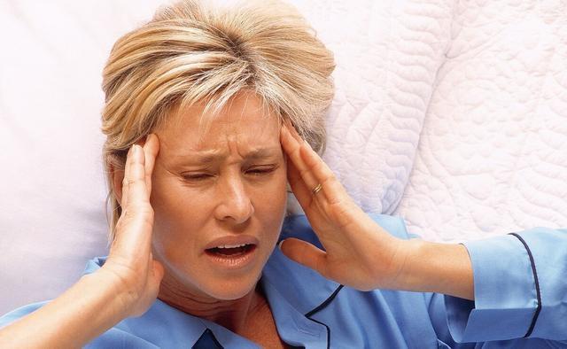 女性进入更年期,身体通常会发出6个信号,对照下,你中招了吗?#金猫榜#-今日新鲜事