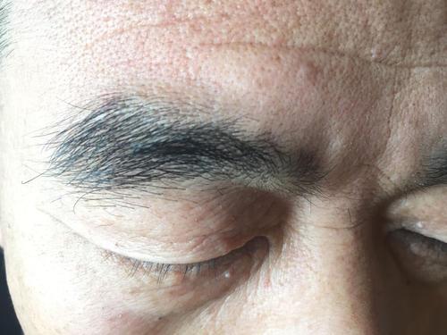 男人过了50岁眉毛变长,意味着什么?大多数人或许都不清楚-今日新鲜事