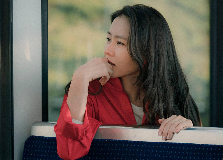 """《爱的迫降》对尹世莉""""上瘾""""的李正赫:有一种女人,很上头"""