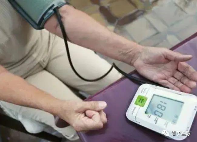高血压不能吃海带?医生提醒:想稳定血压,请远离这3种食物-今日新鲜事