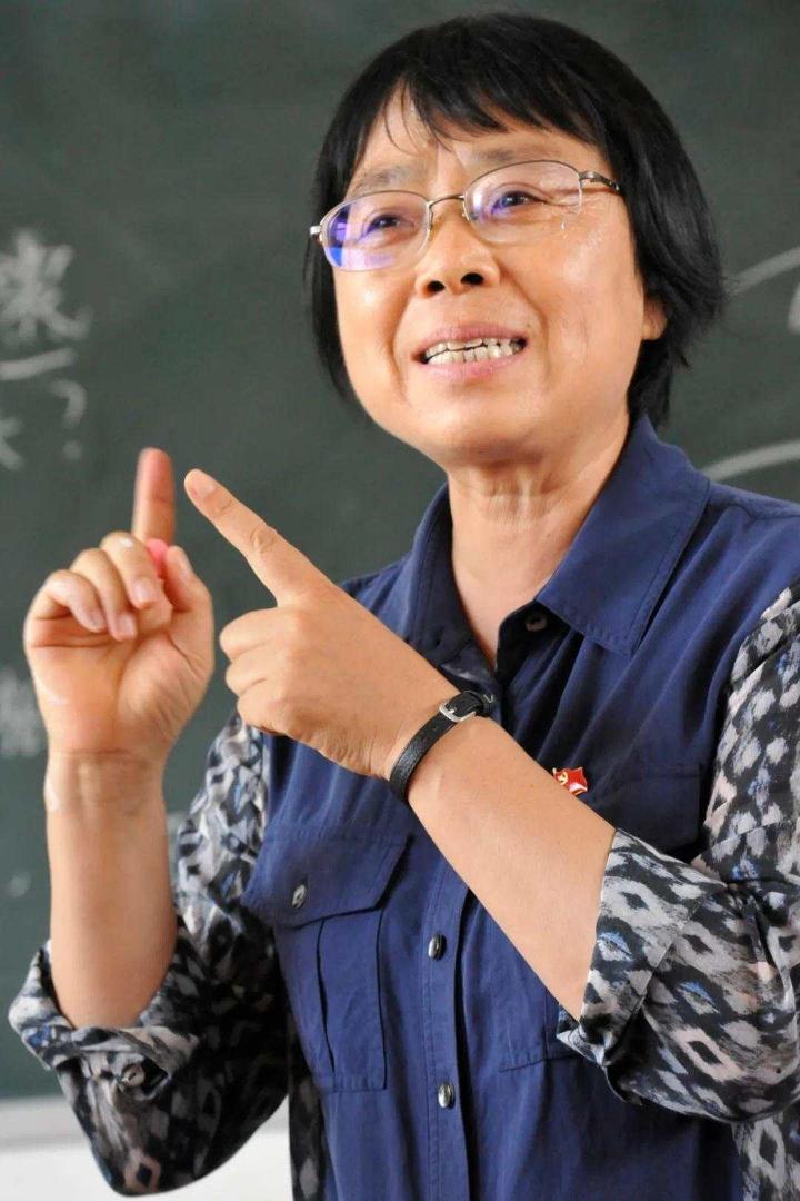 张桂梅是贫困的学生的救星,为什么还有人诋毁她