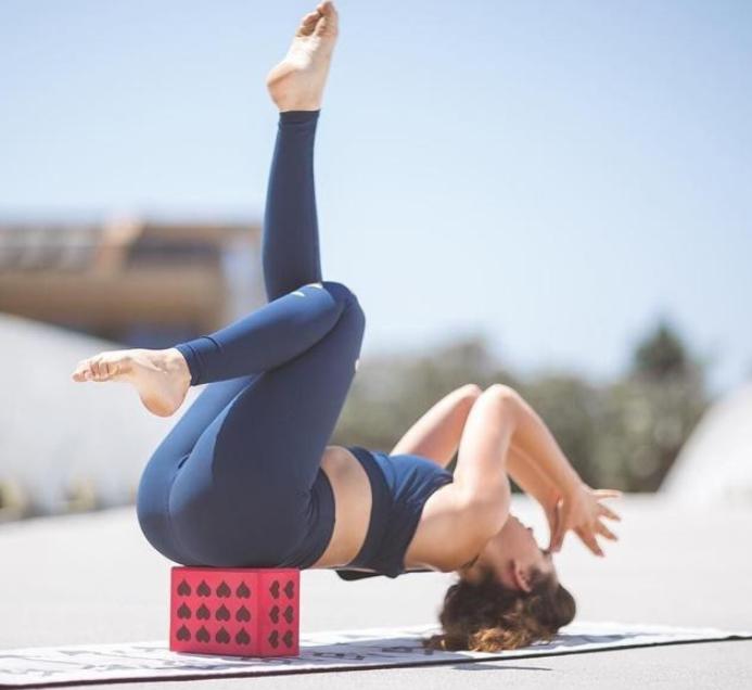 如何练就一双美腿?这6式瑜伽助你瘦腿,轻松塑造曼妙腿型