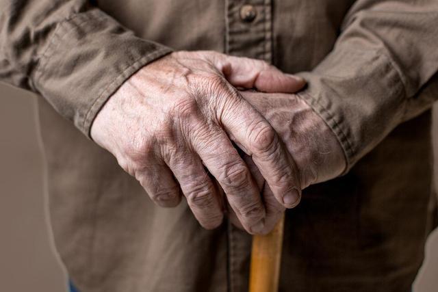 人到中年,人体内钙质流失,如何才能合理补回?告诉你正确的办法-今日新鲜事
