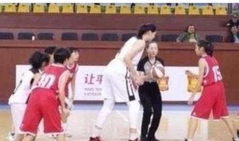 全面分析中国女篮希望之星张子宇的优缺点