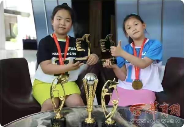 """如何看待""""西安俩9岁女孩挑战穿越沙漠108公里""""?其实是定制旅游"""