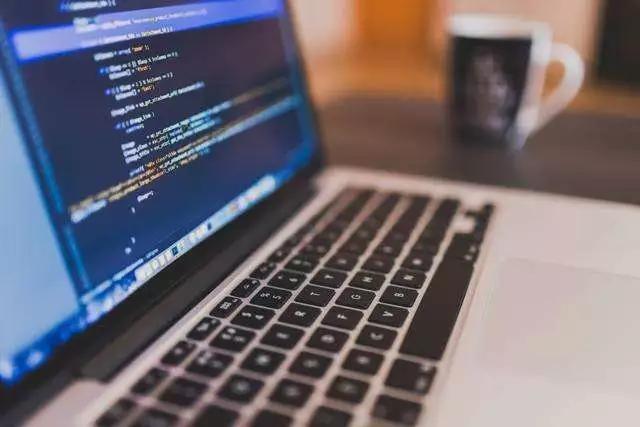 Java在开发人员中如此流行的4个原因