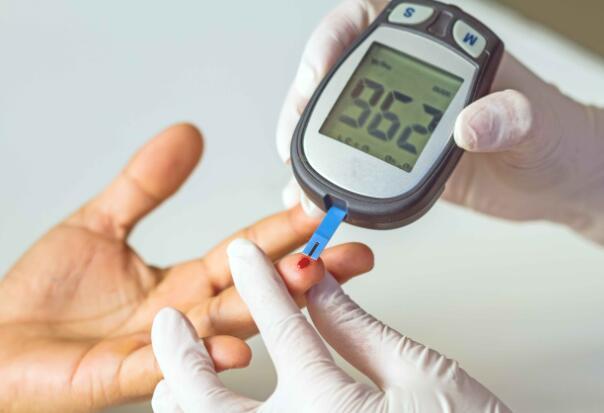 糖友脚上若有5种表现,多半是糖尿病足已到来,再无视就晚了-今日新鲜事