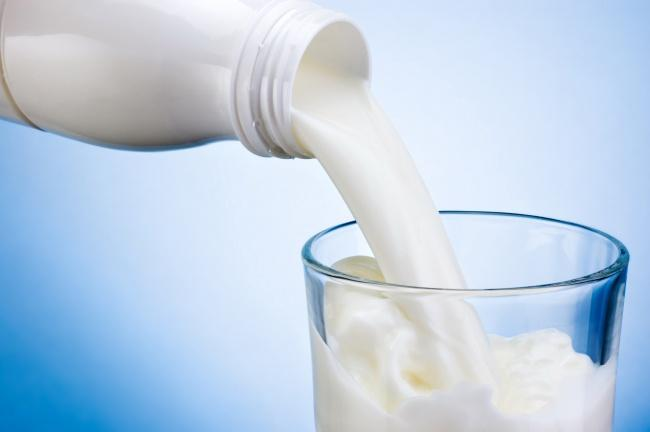 每天喝牛奶的人与不喝牛奶的人有什么区别?3个变化,值得您思考-今日新鲜事