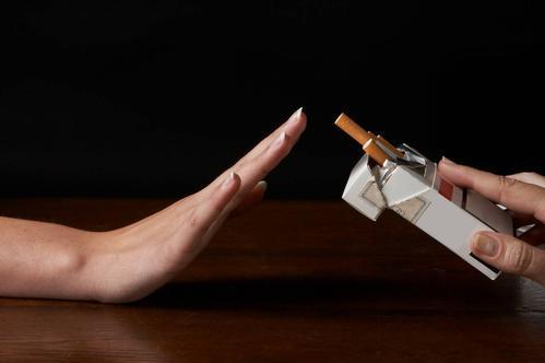 戒烟多久才敢说成功了?若身体出现4个表现,基本算成功了-今日新鲜事