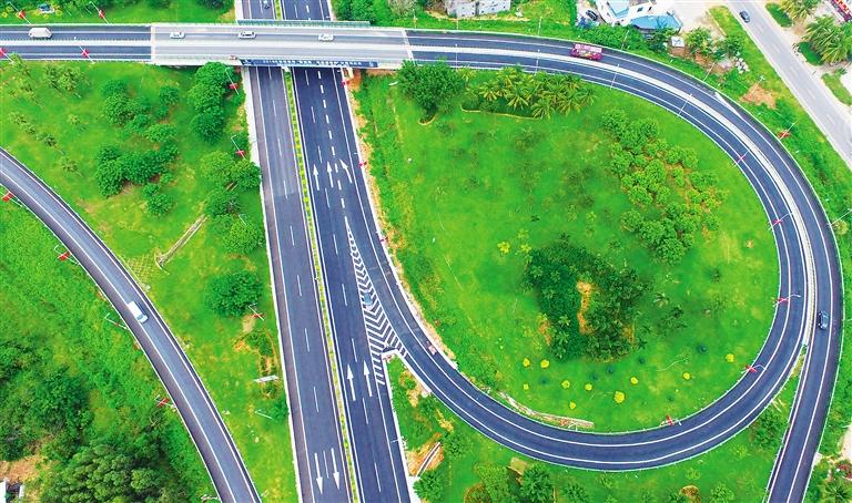 G98东线高速石梅湾互通右幅出入口匝道21日起施工管制