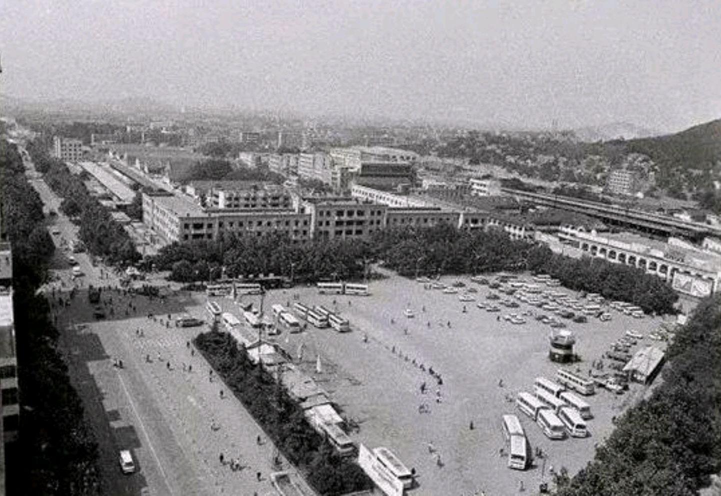 80年代徐州老照片,看下那时的城市状况、生活场景,你还认得不?