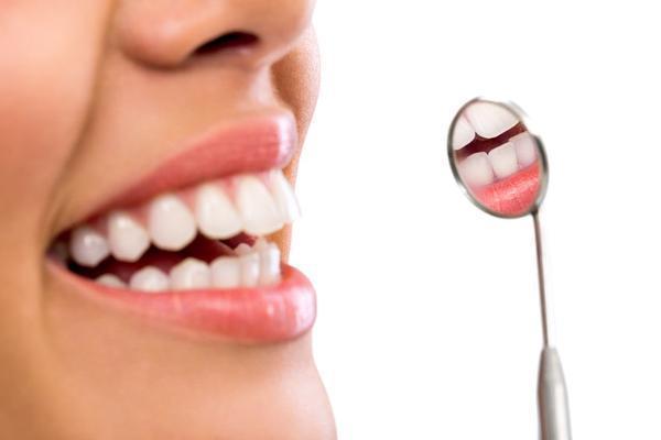 """牙齿敏感,或与这4个因素有关,导致你的牙齿变""""脆弱"""",需重视-今日新鲜事"""