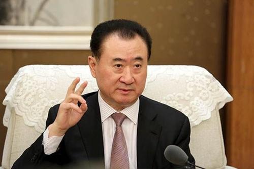100亿投资王健林,之前还曾经投资了王传福,他才是中国隐形首