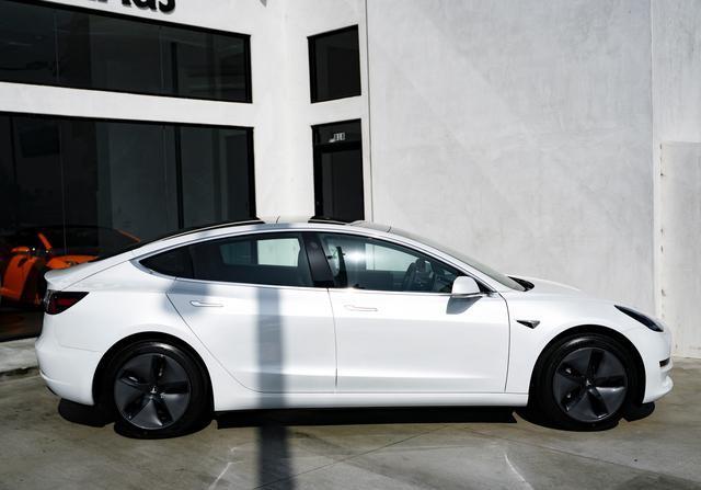 特斯拉是9月份国内最畅销的海外电动汽车品牌,占据绝对主导地位