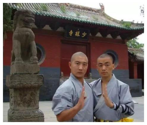 从少林寺出来的4位明星:王宝强和释小龙没啥,最后一位才是厉害