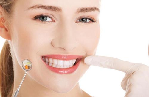 牙齿怎么美白?其实牙齿不用追求太白-今日新鲜事
