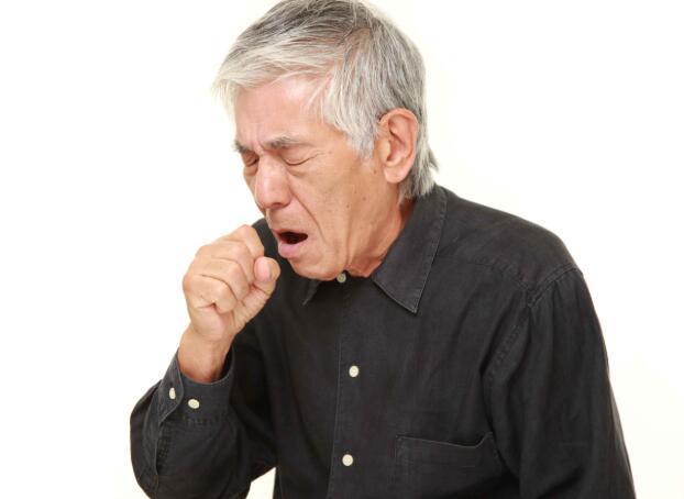 4个症状找上自己时,很可能不是单纯的肺炎,而是肺癌到来的信号-今日新鲜事